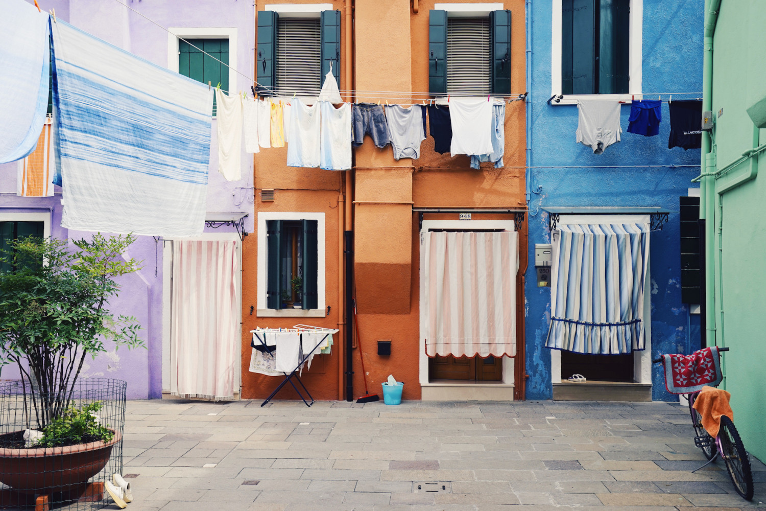 burano-fresh-laundry-dante-vincent-photography