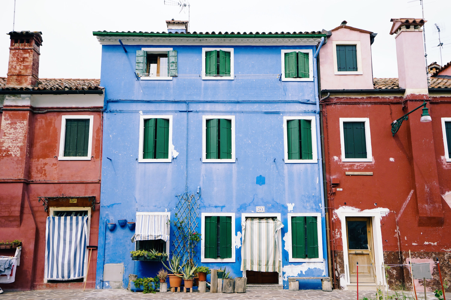 burano-house-facades-dante-vincent-photography