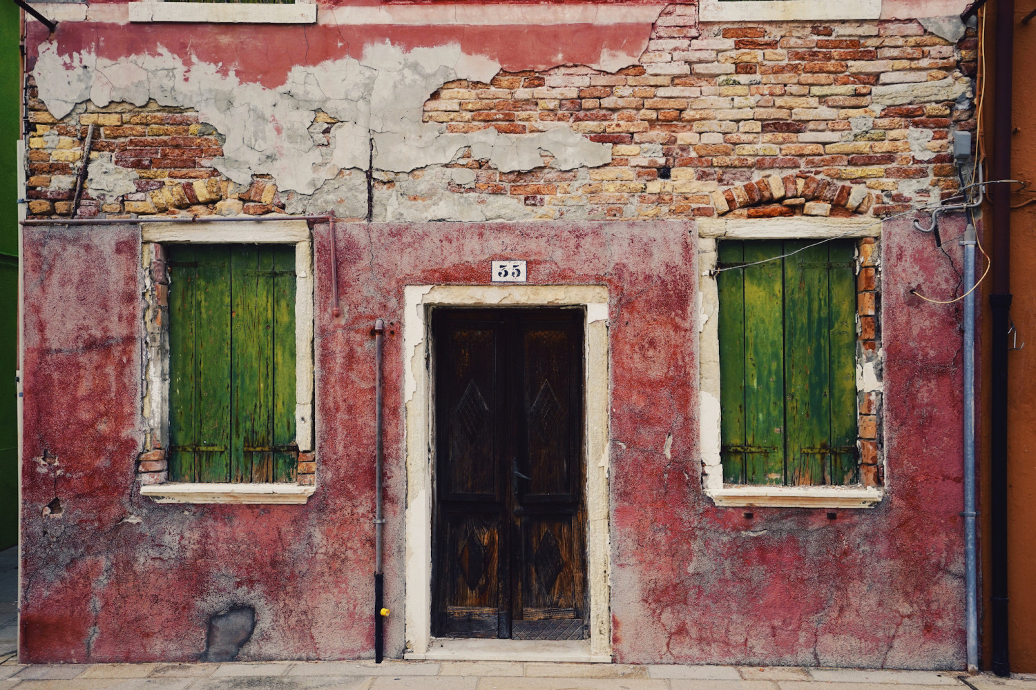 burano-red-and-brick-dante-vincent-photography