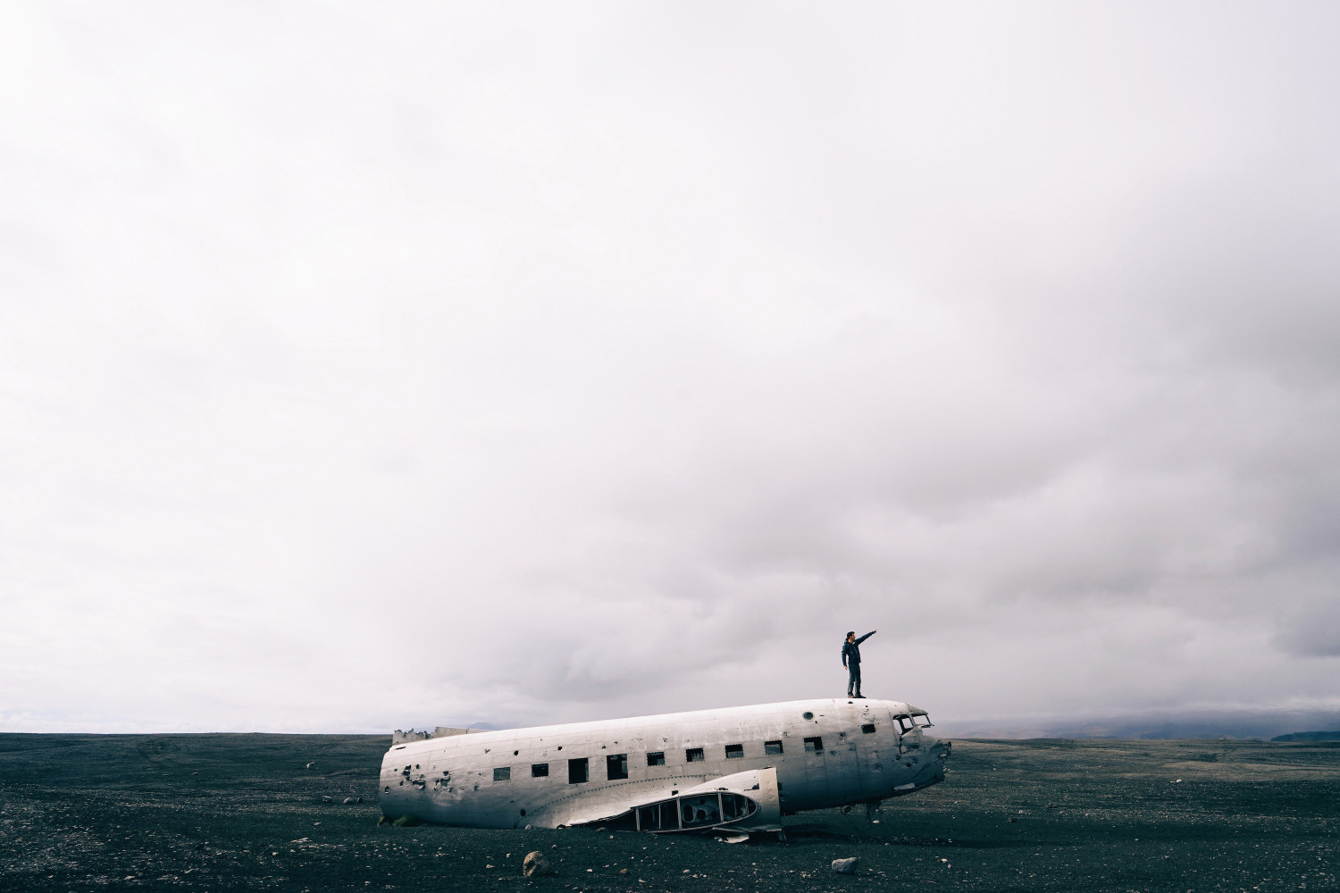 crashed-dc3-airplane-vik-iceland-dante-vincent-photography-30