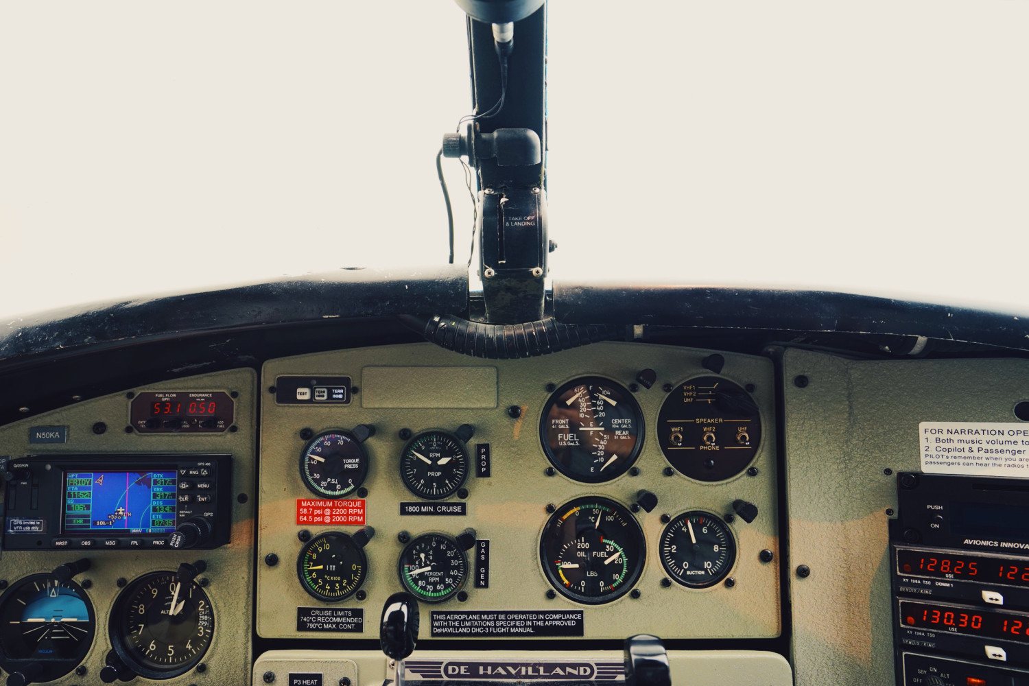 kenmore-air-cockpit-dante-vincent-photography