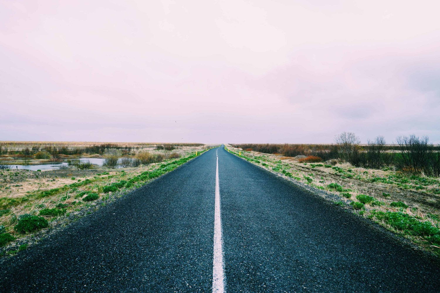 lonely-road-iceland-dante-vincent-photography-17