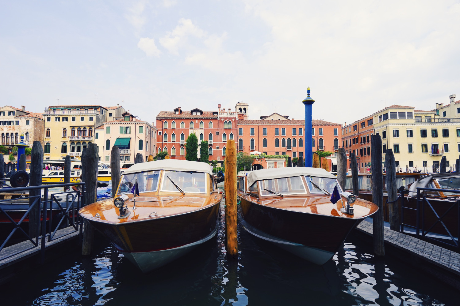 venice-boats-dante-vincent-photography