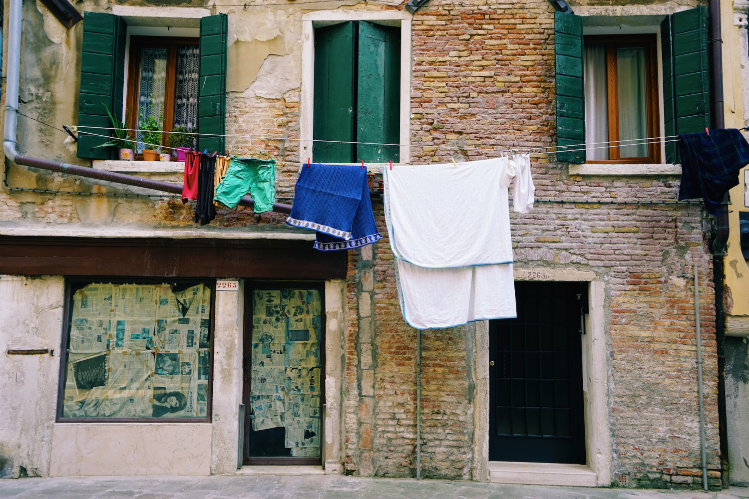 venice-laundry-dante-vincent-photography